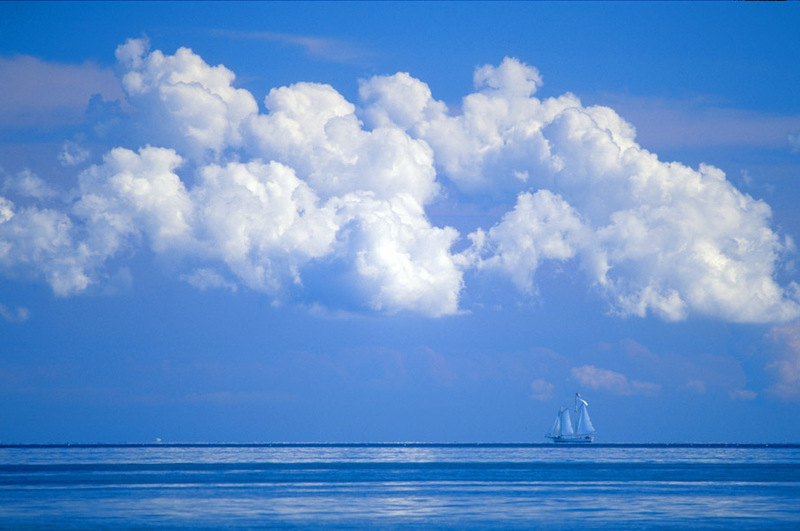 Blue_sky_sailboat[1]